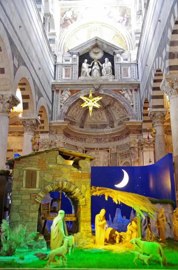 Domkyrka av Pisa - julkrubba arkivfoto