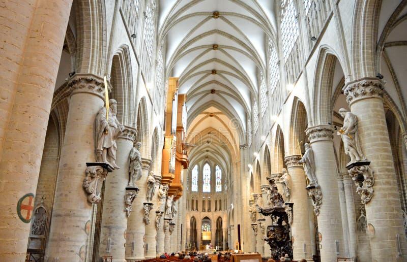 Domkyrka av St Michael och St Gudula, Bryssel, Belgien royaltyfria foton