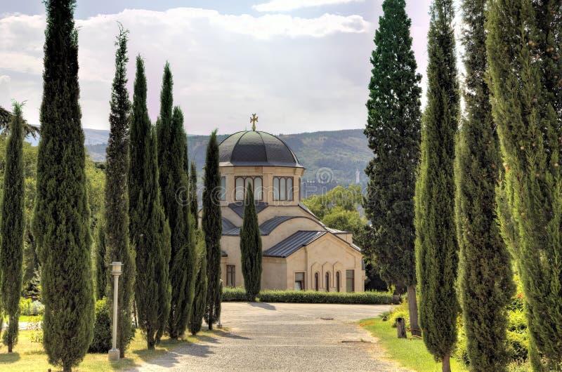 Domkyrka för helig Treenighet (Tsminda Sameba) georgia tbilisi royaltyfria bilder