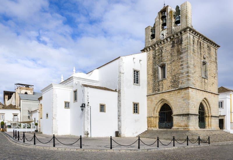 Domkyrka för Portugal Algarve, Faro gammal stadSe royaltyfri bild