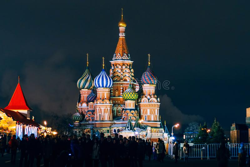 Domkyrka för St-basilika` s på den röda fyrkanten, Moskva, Ryssland abstrakt vinter för fractalbildnatt fotografering för bildbyråer