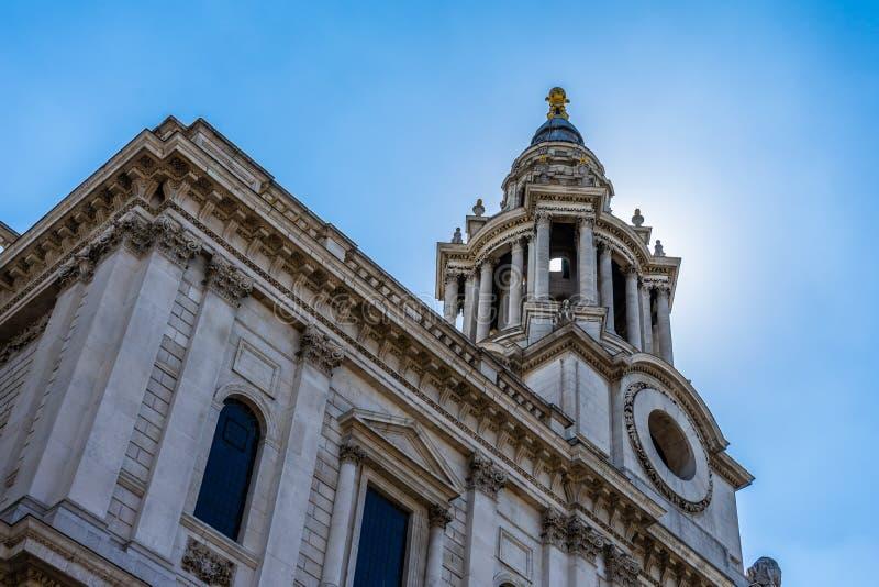Domkyrka för St Paul ` s i London, UK arkivfoton