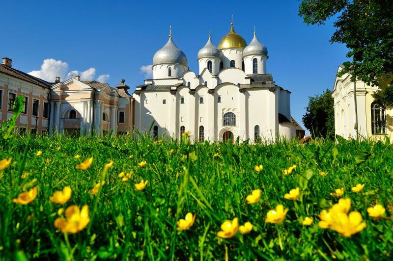 Domkyrka för St Sophia i Veliky Novgorod, Ryssland på den soliga dagen för sommar arkivfoton