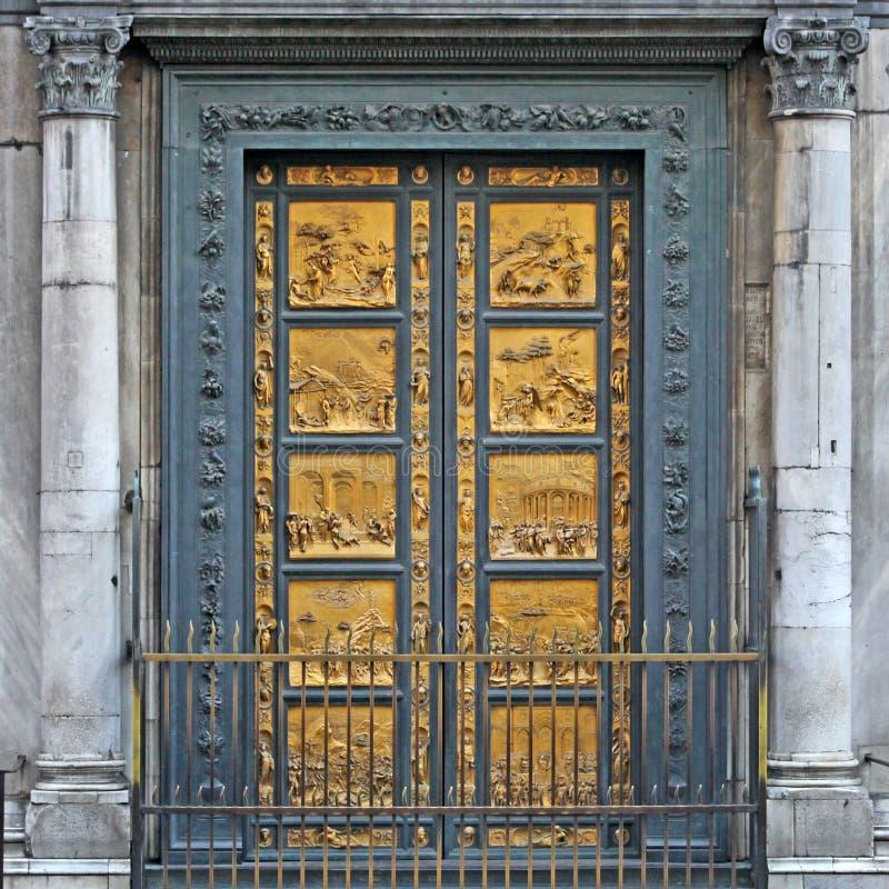 Domkyrka Florence Italy för Duomo för dörr för brons för Ghiberti paradisBaptistery arkivbilder