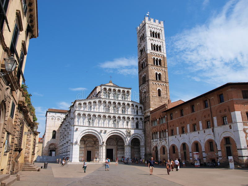 Domkyrka Lucca, Italien royaltyfri bild