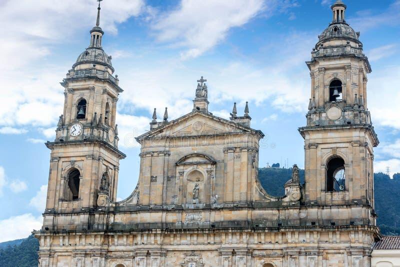 Domkyrka på den Bolivar fyrkanten i Bogota, Colombia arkivbild