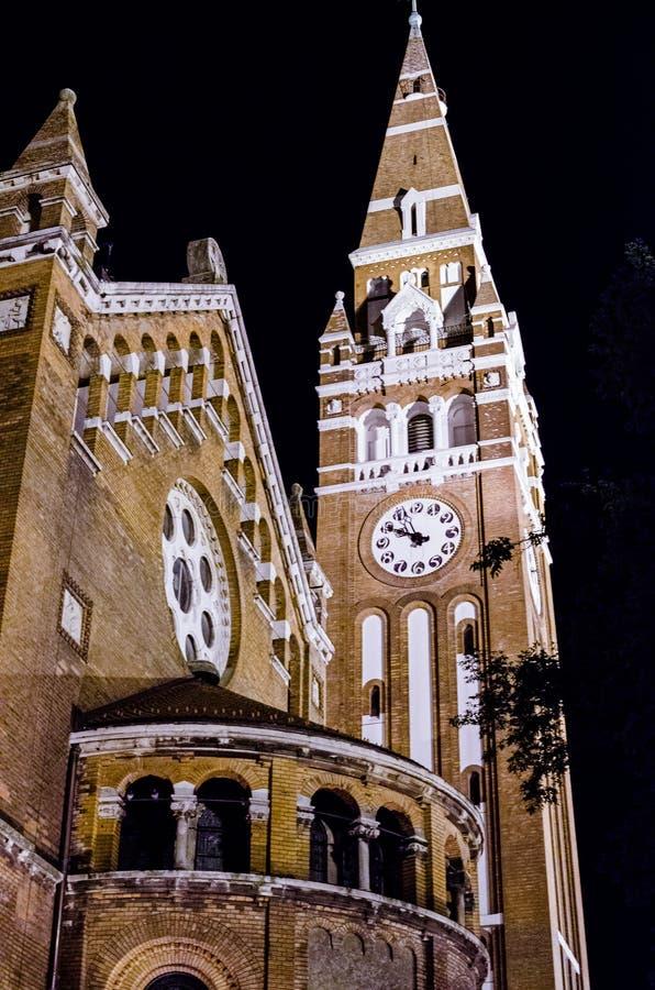 Domkyrka på huvudsaklig fyrkant av Szeged, Ungern royaltyfria bilder