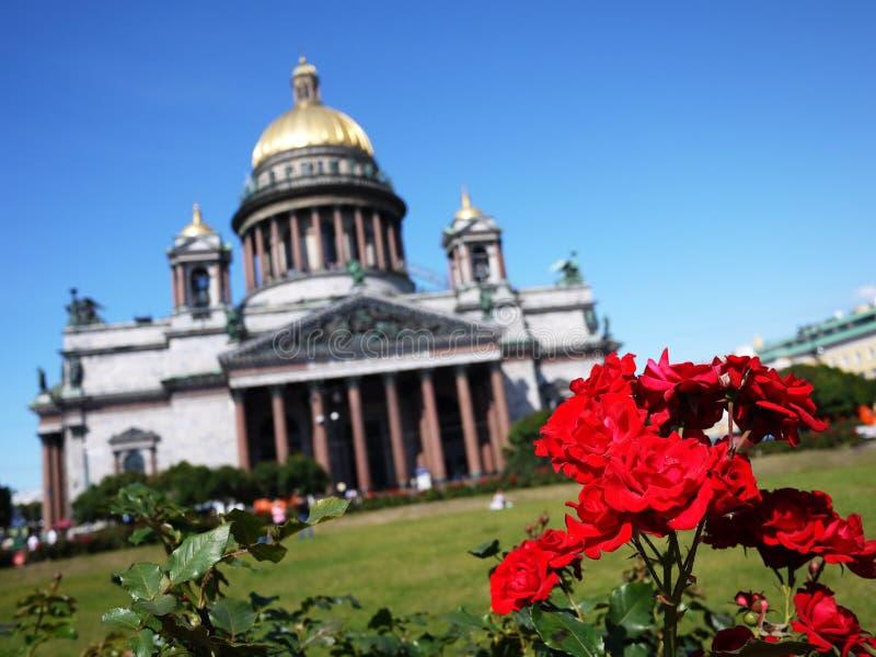 Domkyrka St Petersburg för St Isaacs Havshuvudstaden av Ryssland Detaljer och närbild royaltyfri fotografi