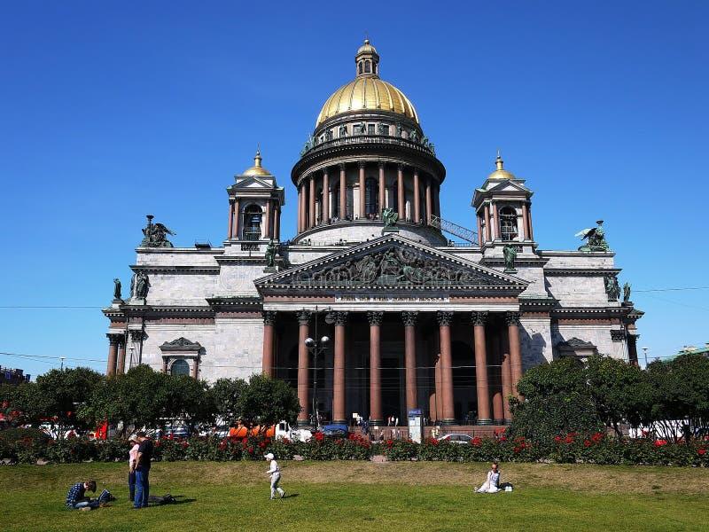 Domkyrka St Petersburg för St Isaacs Havshuvudstaden av Ryssland Detaljer och närbild arkivbild