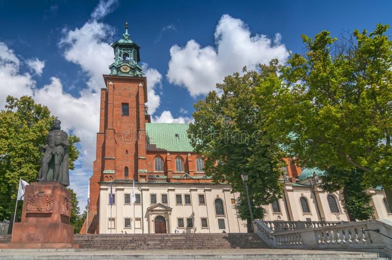 Domkyrkabasilika av antagandet av den välsignade oskulden Mary och St Adalbert, Gniezno, Polen royaltyfri fotografi