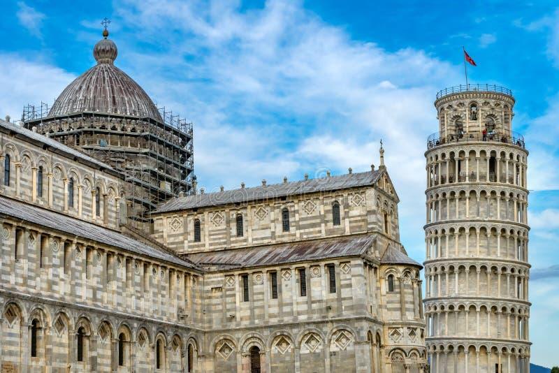Domkyrkabenägenhettorn Piazza del Miracol Pisa Italien royaltyfri foto