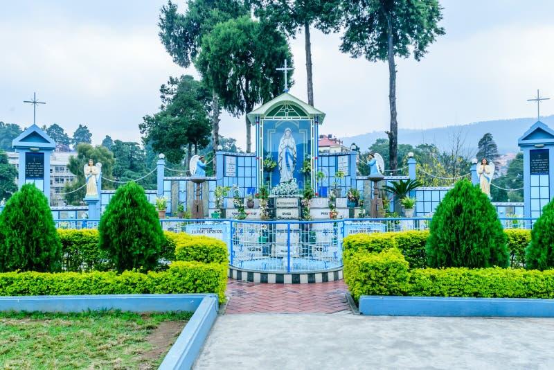 Domkyrkakatolsk kyrka, Shillong Indien 25 December 2018 - domkyrka av Mary Help av kristen som namnges efter modern Mary av arkivfoto