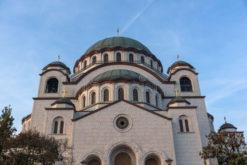 Domkyrkakyrka av helgonet Sava i mitten av staden av Belgrade, Serbien royaltyfria bilder