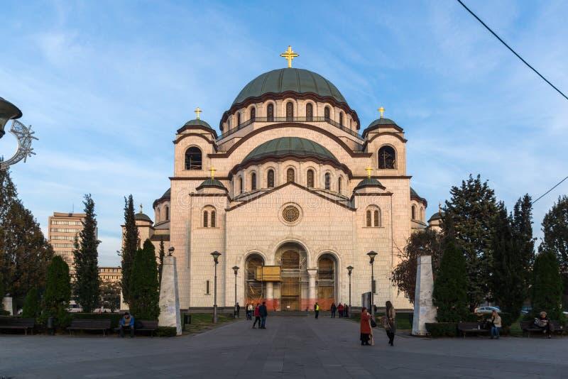 Domkyrkakyrka av helgonet Sava i mitten av staden av Belgrade, Serbien arkivbild