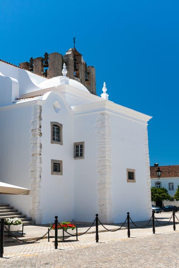 Domkyrkan av Faro i Algarve, Portugal arkivfoto