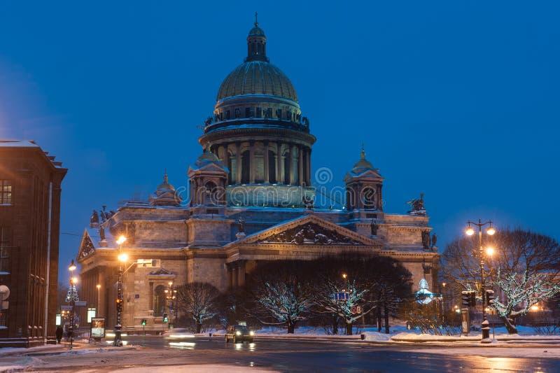 Domkyrkan för St Isaacs byggdes av arkitekten Auguste Monferanov i 1858 Det är det huvudsakligt royaltyfri bild