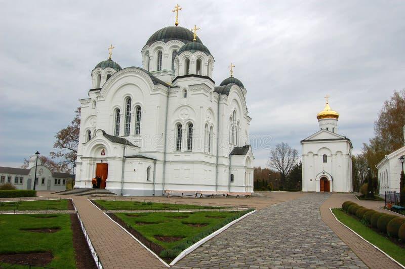 Domkyrkan i staden av Novopolotsk Vitryssland fotografering för bildbyråer