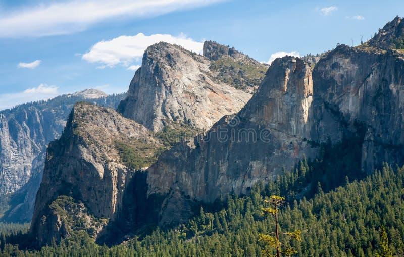 Domkyrkan vaggar Yosemite fotografering för bildbyråer