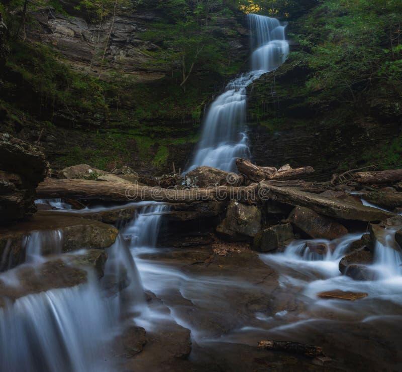 Domkyrkanedgångar i nedgången West Virginia fotografering för bildbyråer