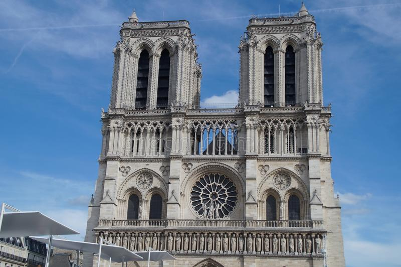 DomkyrkaNotre-Dame de Paris - Frankrike arkivbild