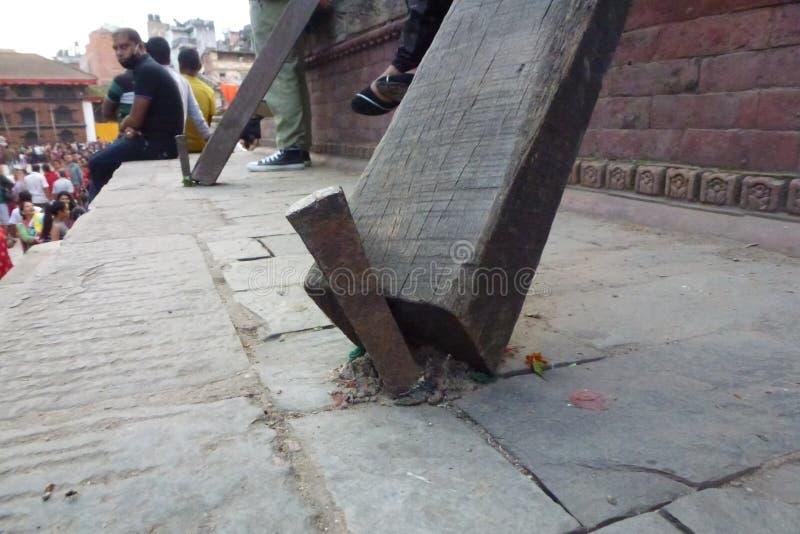 Dommages évidents après le tremblement de terre, place de Durbar, Katmandou, Népal photos stock