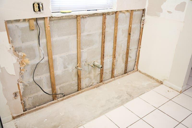 Dommages de l'eau dans la cuisine photos stock