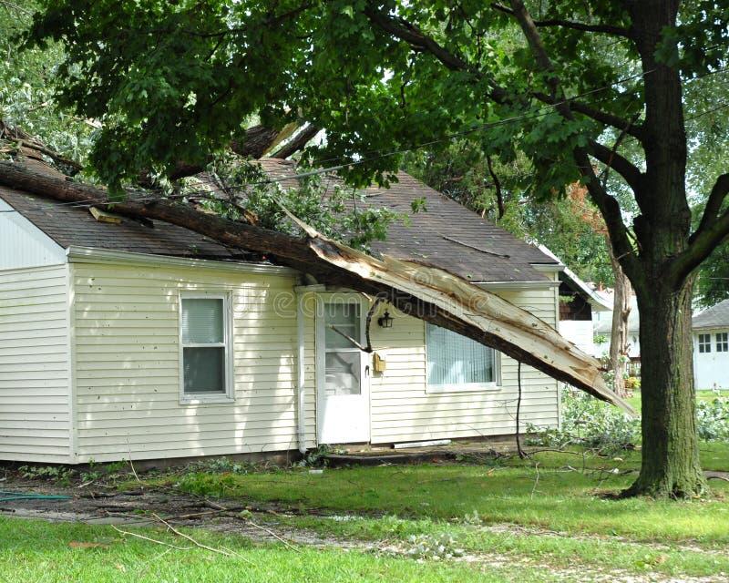 Dommages de tempête image libre de droits