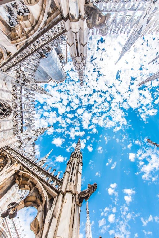 Domo de Milão, Itália, vista do telhado imagens de stock royalty free
