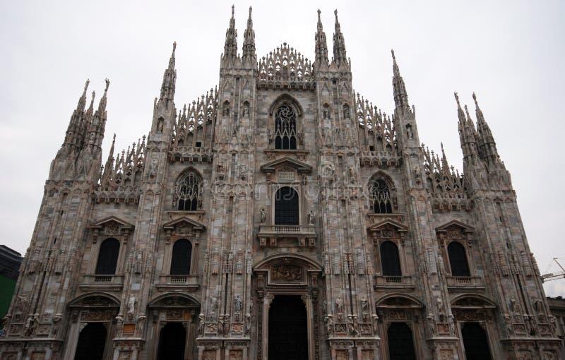 Domo majestoso da catedral (Milão) fotografia de stock