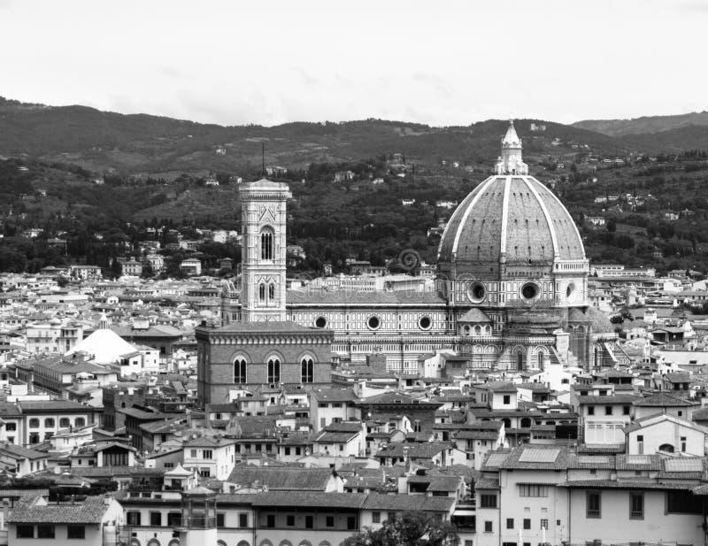 Domo Santa Maria del Fiore e Bargello em Florença, aka em Firenze, Toscânia, Itália Vista aérea da catedral imagens de stock
