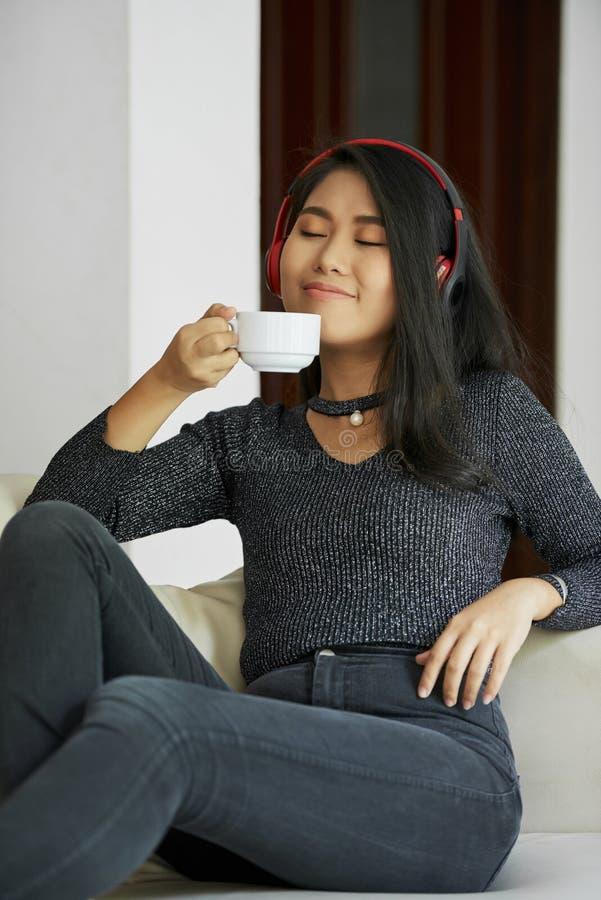 domowa odpoczynkowa kobieta zdjęcie stock
