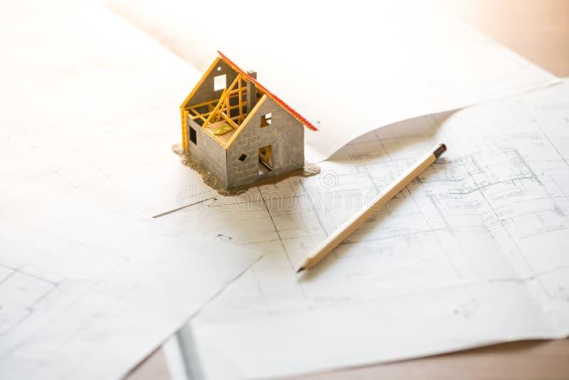 Domowej & lokalowej nieruchomości pojęcie z projektem zdjęcia stock