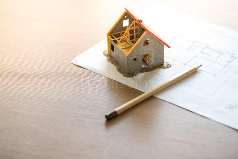 Domowej & lokalowej nieruchomości pojęcie z projektem zdjęcie stock
