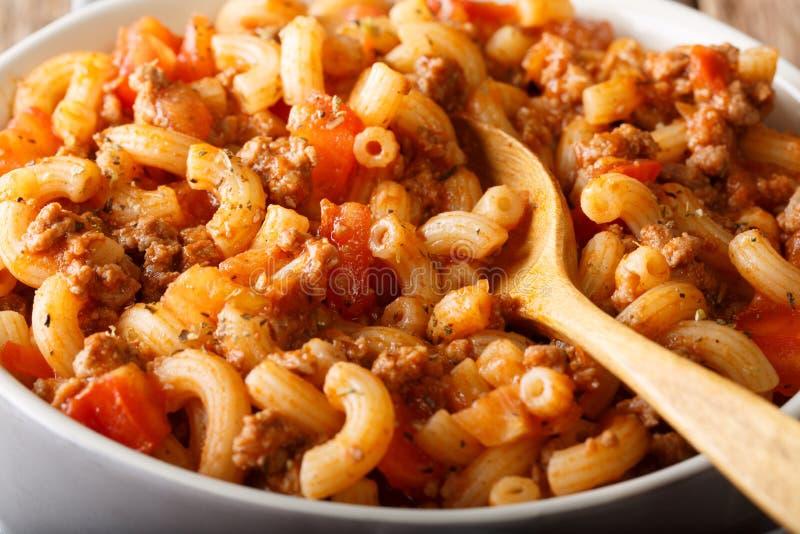 Domowej roboty Amerykański goulash z łokcia makaronem, wołowiną i pomidoru cl, obraz stock
