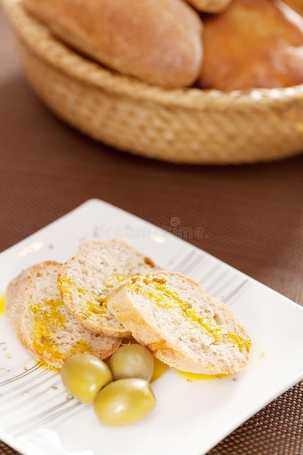 Domowej roboty baguettes z ovile olejem zdjęcie royalty free