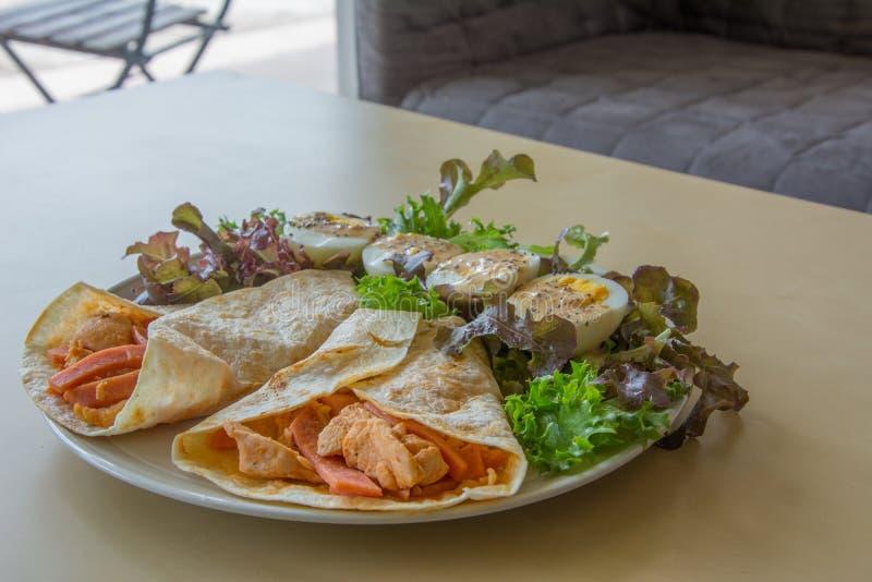 Domowej roboty baleron Kebab z, kurczak i zdjęcia stock
