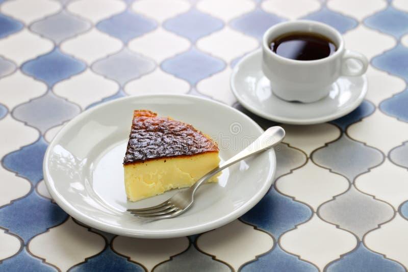 Domowej roboty bask palący cheesecake zdjęcia royalty free