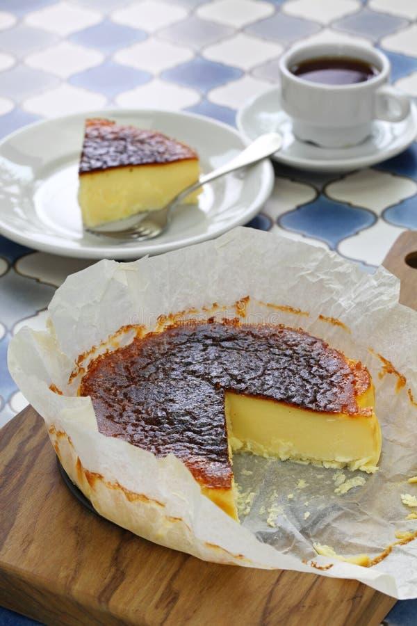 Domowej roboty bask palący cheesecake zdjęcie royalty free