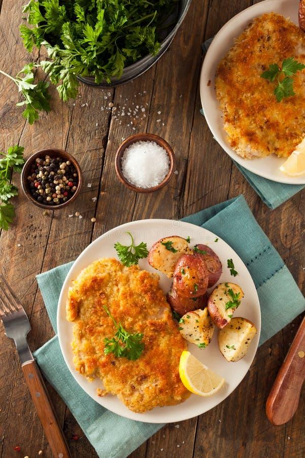 Domowej roboty Breaded niemiec Weiner Schnitzel obraz stock