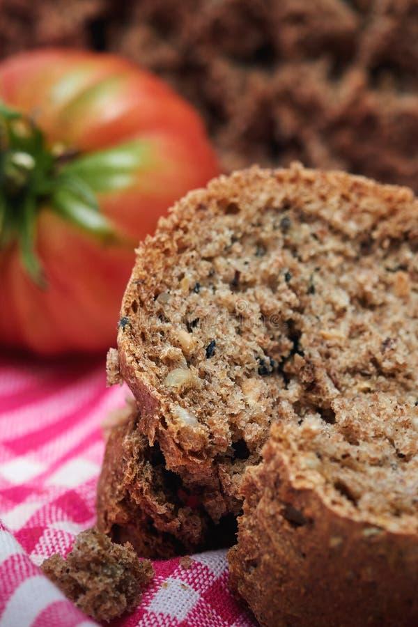 Domowej roboty chleb robić z banatki mąką obrazy stock