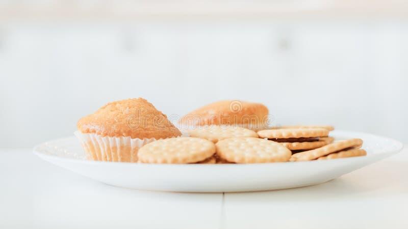 Domowej roboty ciasto przek?sza ciastek s?odka bu?eczka kuchennych obrazy stock