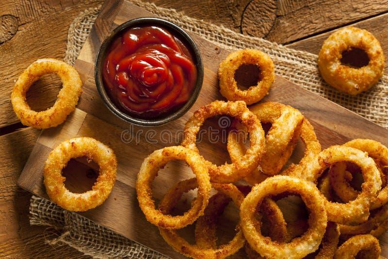 Domowej roboty Crunchy Smażący Cebulkowi pierścionki zdjęcia royalty free