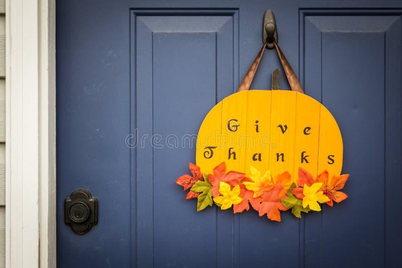 Domowej roboty dziękczynienia drzwi dekoracja zdjęcie stock