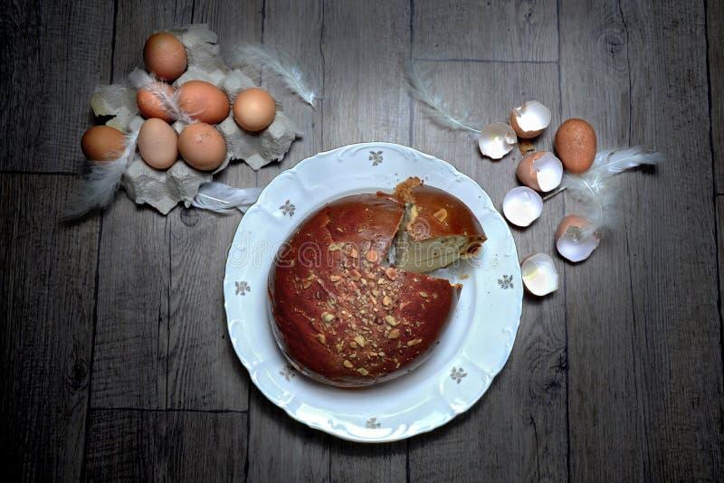 Domowej roboty Easter chleb obrazy stock