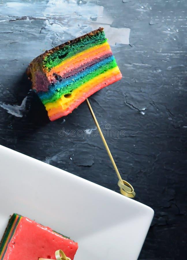 Domowej roboty i Wyśmienicie tęczy ciastka sześciany zdjęcia royalty free