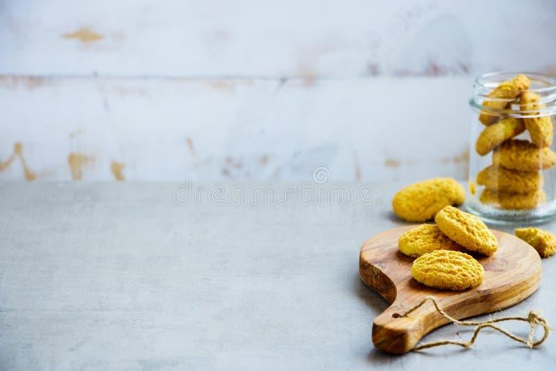 Domowej roboty kokosowi ciastka obrazy stock