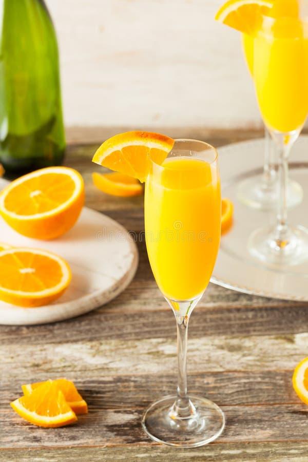 Domowej roboty Odświeżający Pomarańczowi mimoza koktajle zdjęcia royalty free