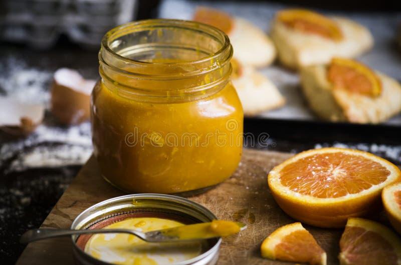Domowej roboty pomarańczowy marmoladowy karmowy fotografia przepisu pomysł zdjęcie royalty free