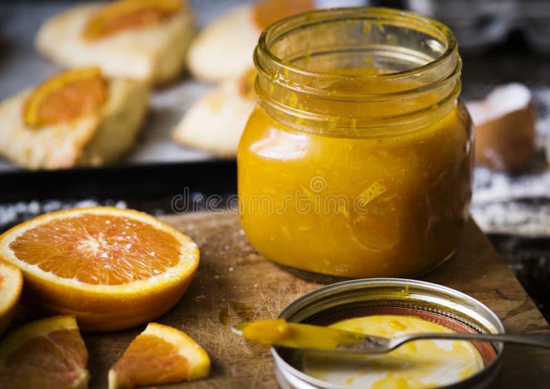 Domowej roboty pomarańczowy marmoladowy karmowy fotografia przepisu pomysł zdjęcie stock