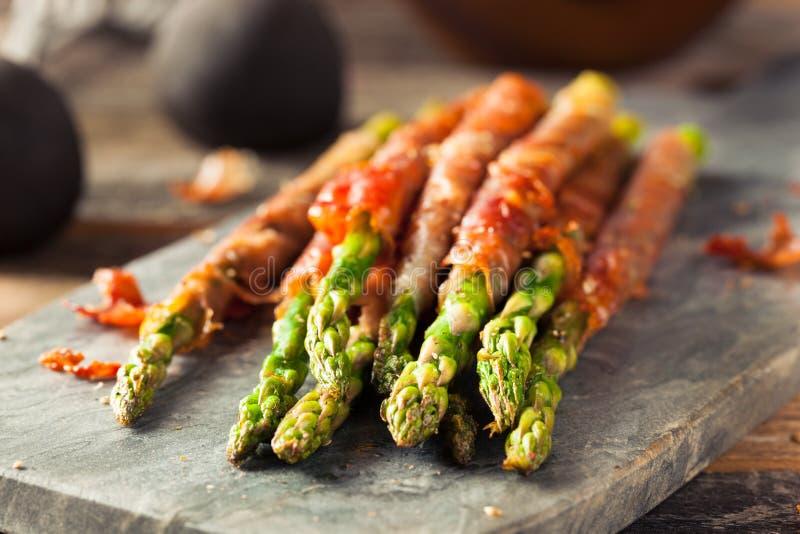 Domowej roboty Prosciutto Zawijający asparagus zdjęcie stock